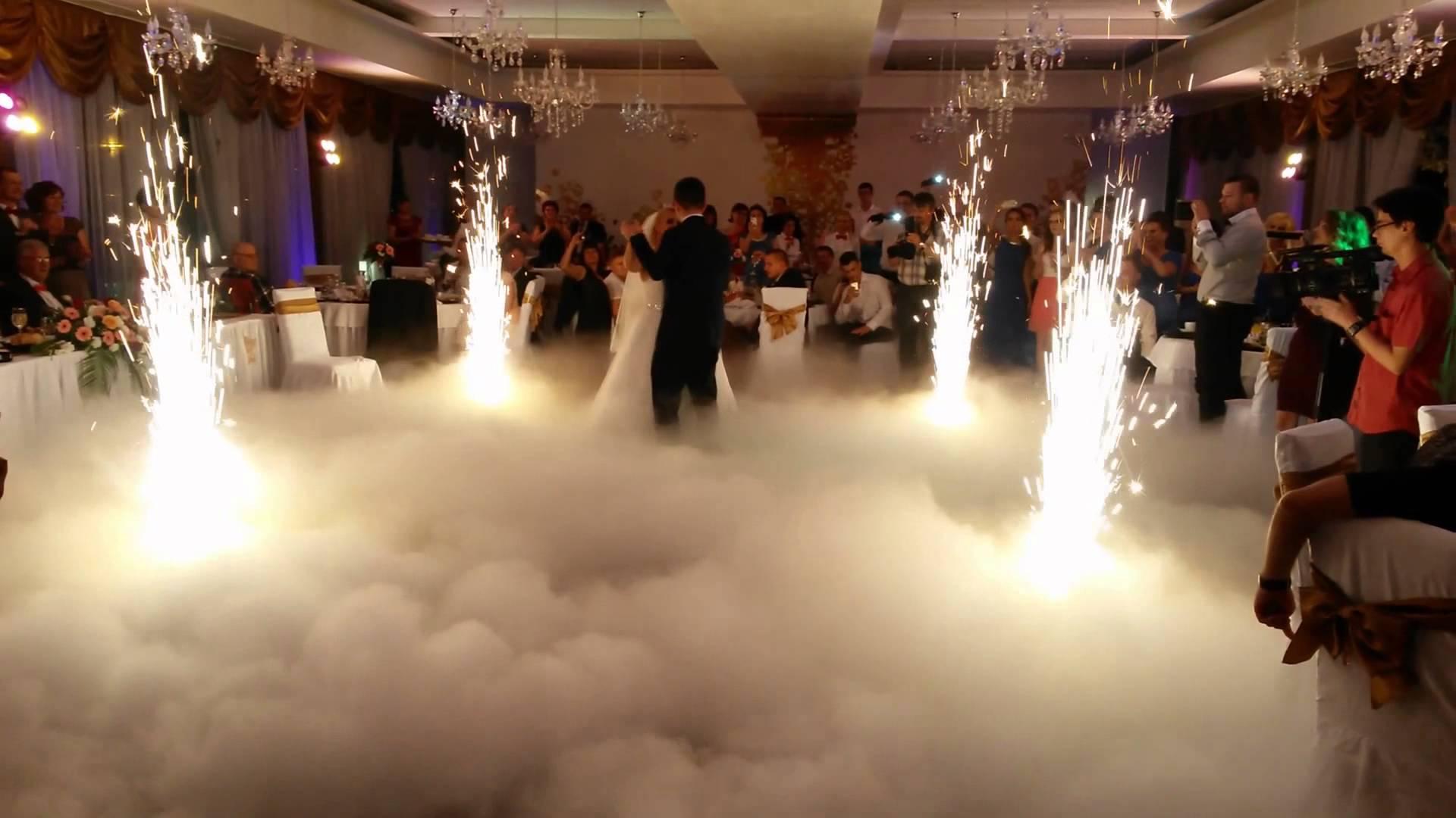 fum-greu-nunta-fum-greu-dansul-mirilor